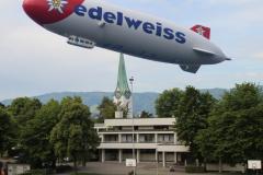 Zeppelin über dem Pausenplatz Oescher :-)